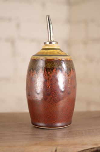 Oil Pourer in Hanna's Ash and Rust Red
