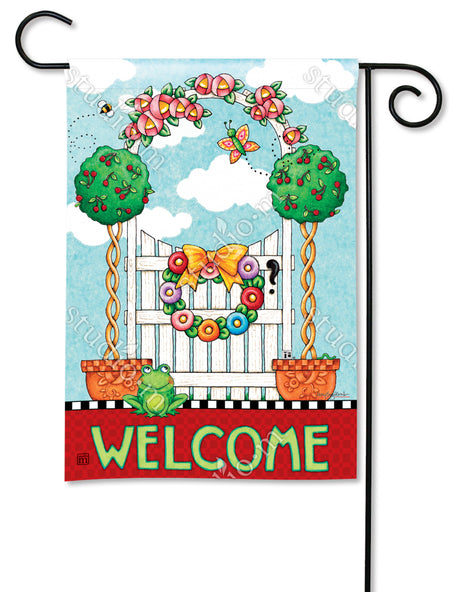 Topiary Gate Garden Flag
