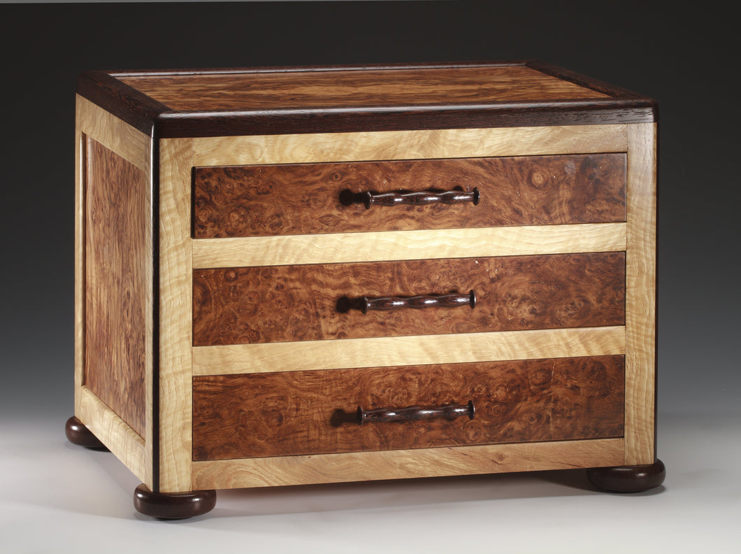 English Brown Oak Burl  Jewelry Chest