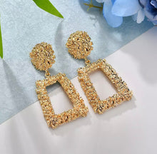 Load image into Gallery viewer, Gold Geometric Dangle Earring