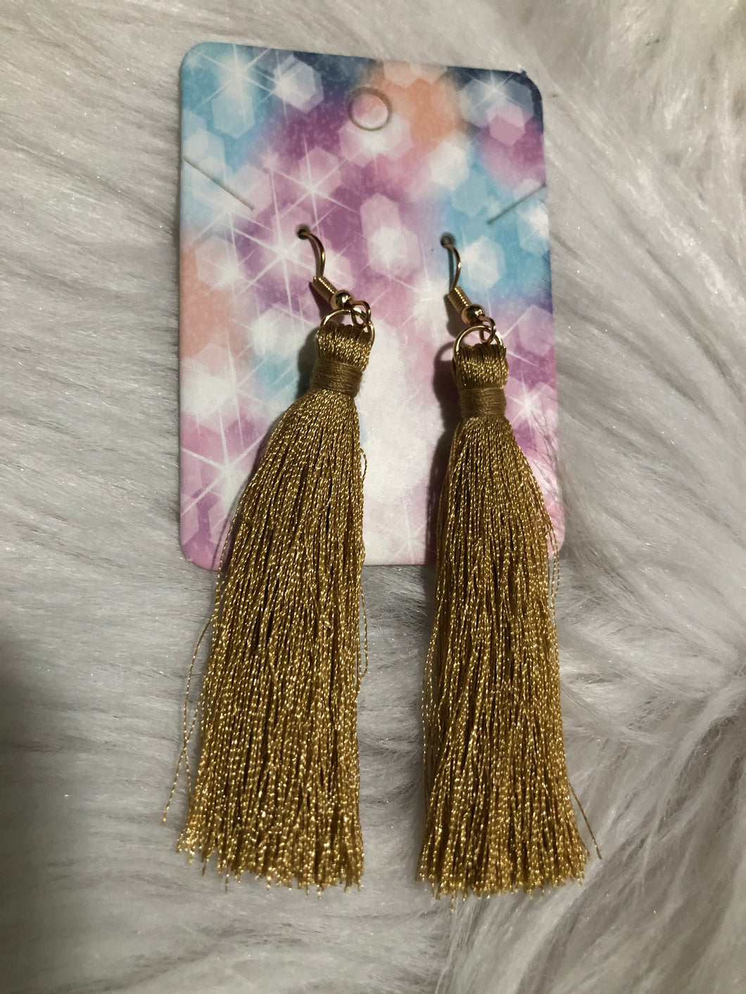 GOLD-TASSEL DROP EARRING