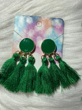 Load image into Gallery viewer, GREEN TRI-TASSEL EARRING