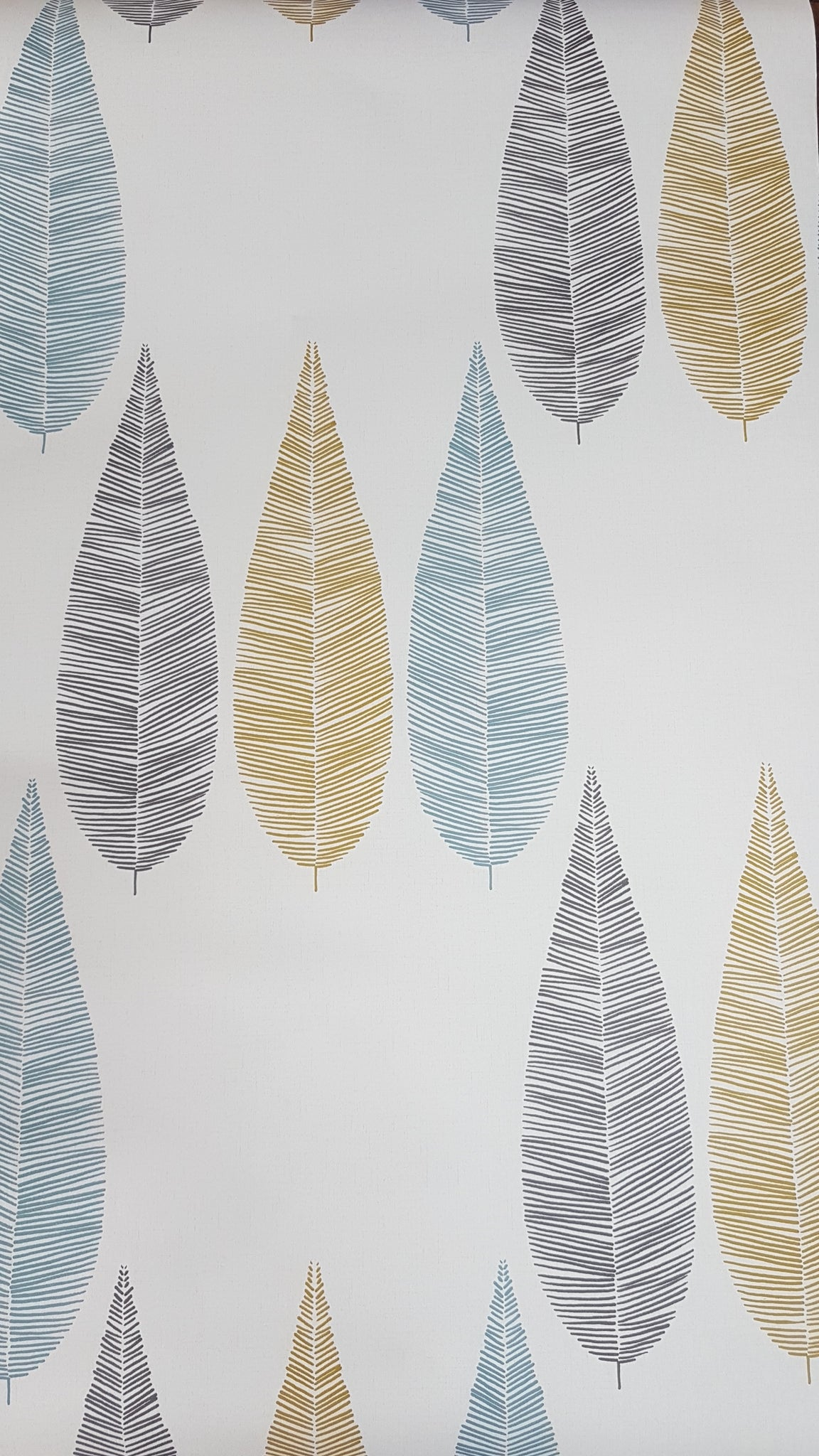 Wallpaper Scandi style leaves / metre