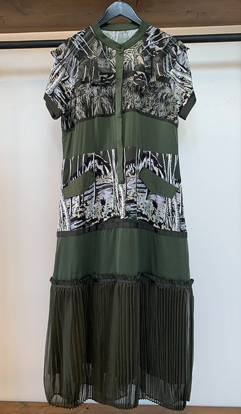 Printed dress with pleated bottom