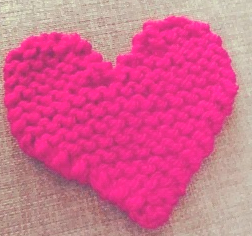 Knit a heart to fight breast cancer