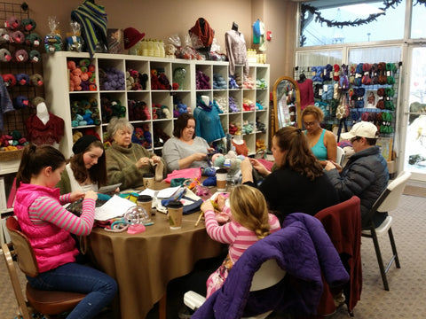 Jaelynn Willey mom and sisters knitting