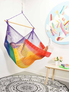 Thick Hangout Chair - Purple Rainbow