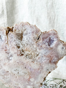 pink amethyst slice on stand 03