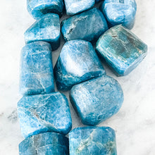 Load image into Gallery viewer, blue apatite tumble