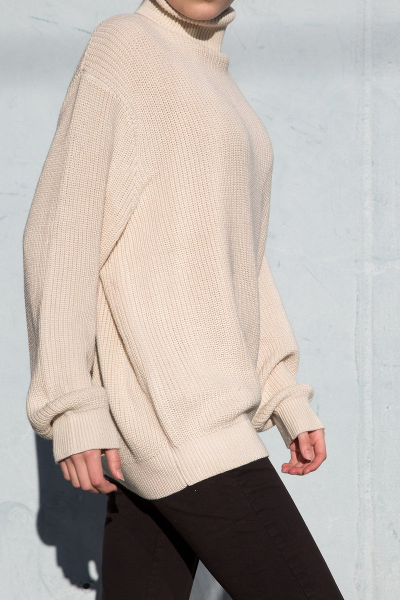 Ivory / Oversized Fit