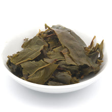 Load image into Gallery viewer, love some tea whole leaf apple pie flavor green tea