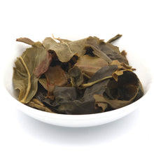 Load image into Gallery viewer, love some tea whole leaf passionfruit flavor green tea