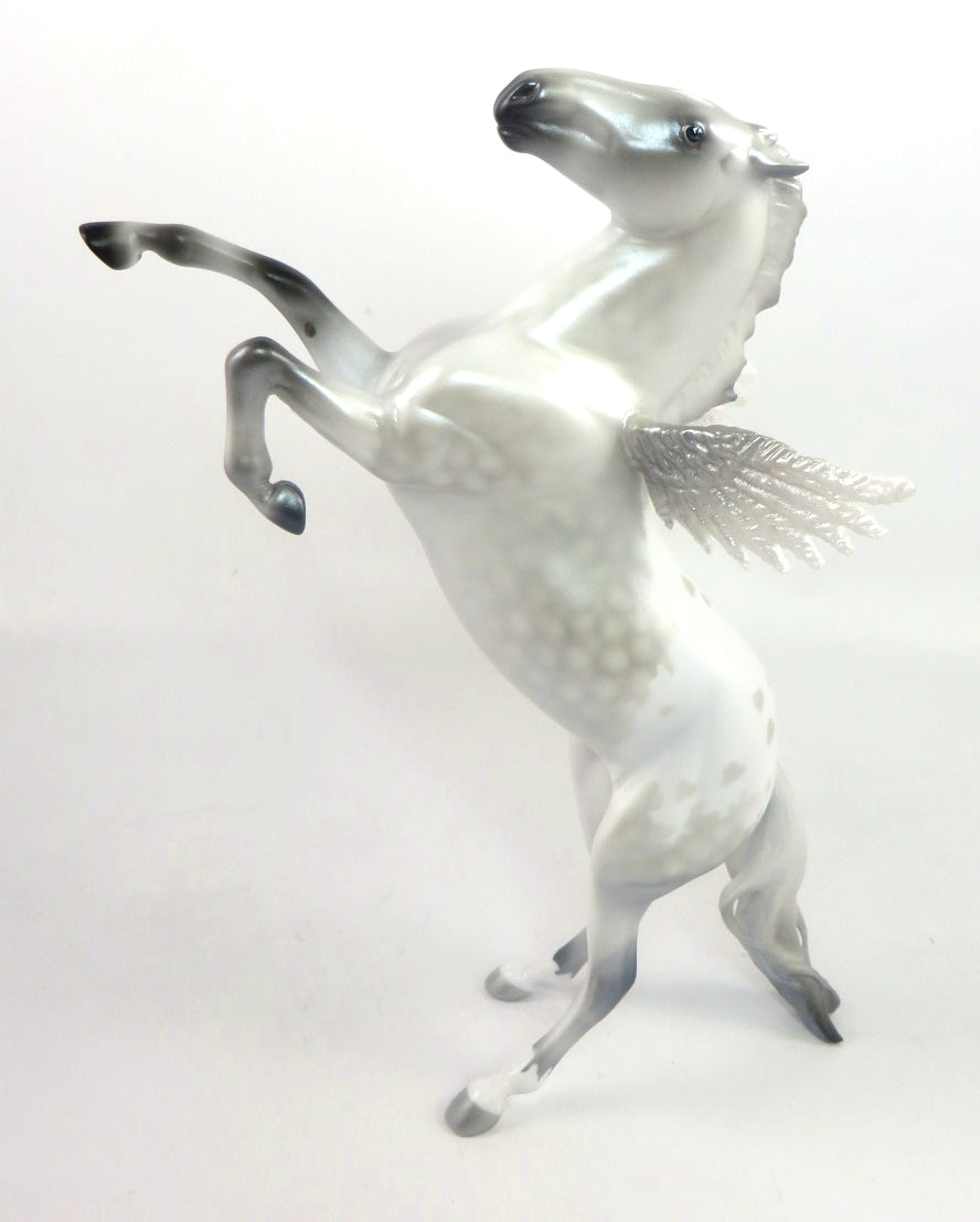 CUPID-LE15-SILVER PEARL DAPPLE HEART APPALOOSA DECORATOR SB 20