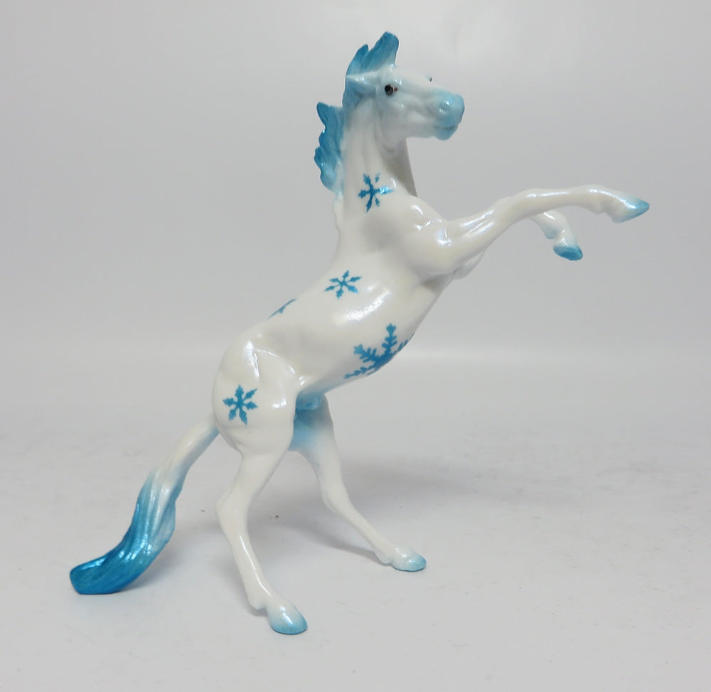 BLUE ICE- BLUE SNOWFLAKE DECORATOR REARING CHIP 12/08/17