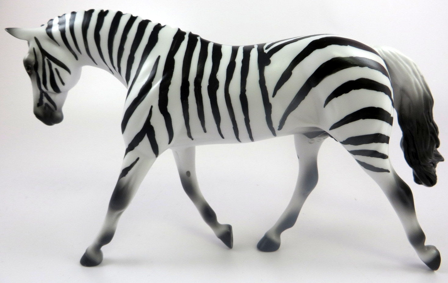 ZEBRA -LE-10 ZEBRA  WARMBLOOD PEBBLES BY AUDREY DIXON LHS 19