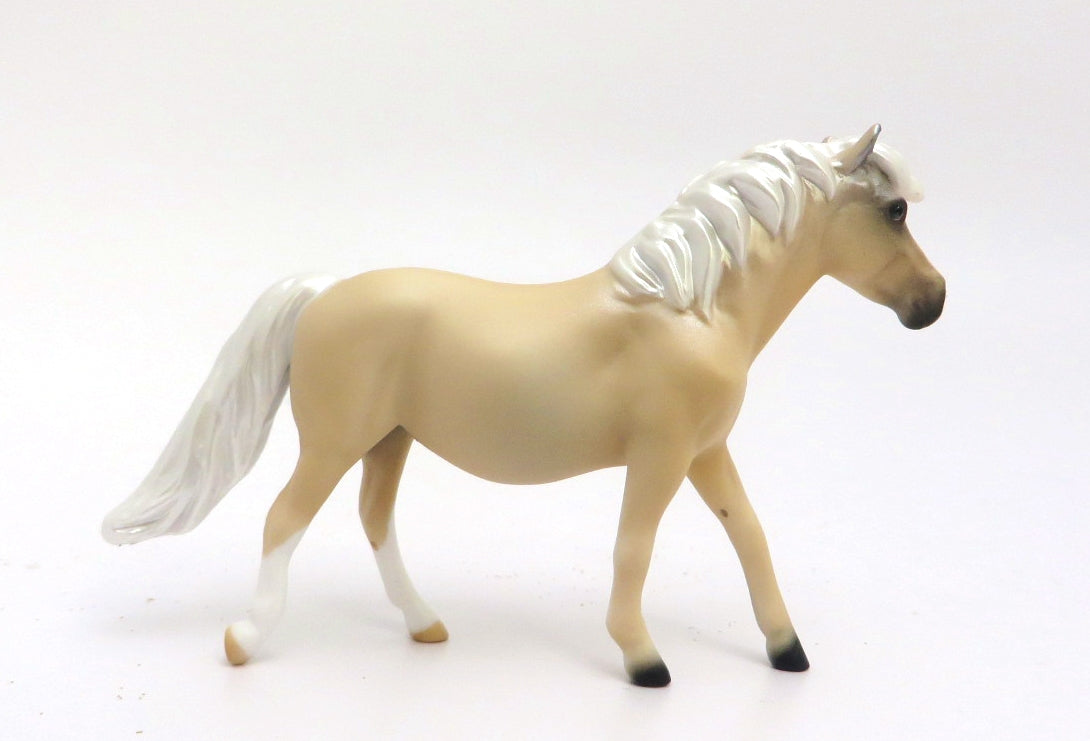 MINI ME SUNFLOWER - LE-10 LIGHT PALOMINO PONY CHIP BY AUDREY DIXON EA/MW 20