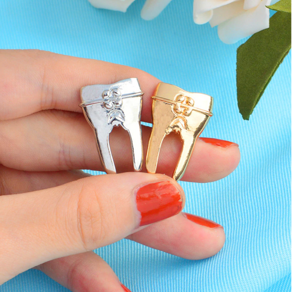 Delicate Charms Golden tooth pin - Tooth pin - Dentist pin - Pin for dentists - Medical care pin - Dentistry pin - Small Gift silver