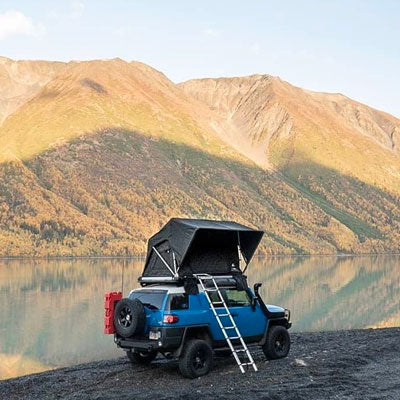 Off the grid jeep with rooftop tent
