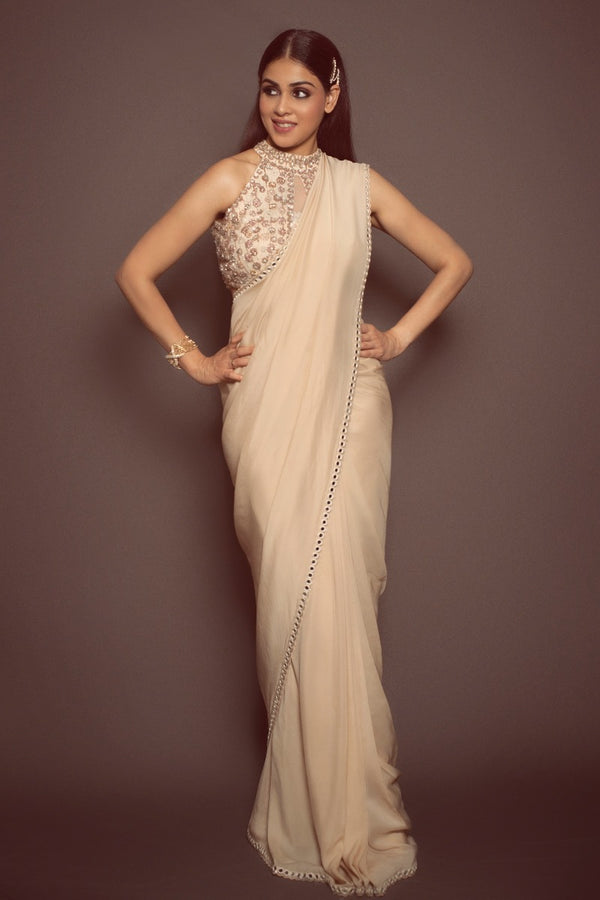 Genelia D'Souza looking absolutely stunning in our saree ensemble