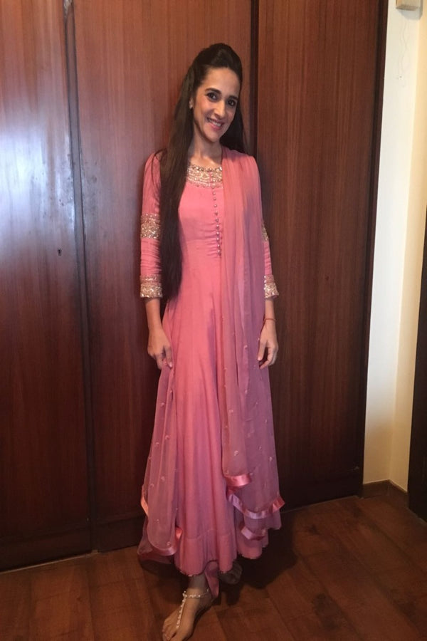 Tara Sharma looks pretty in pink in our classic anarkali