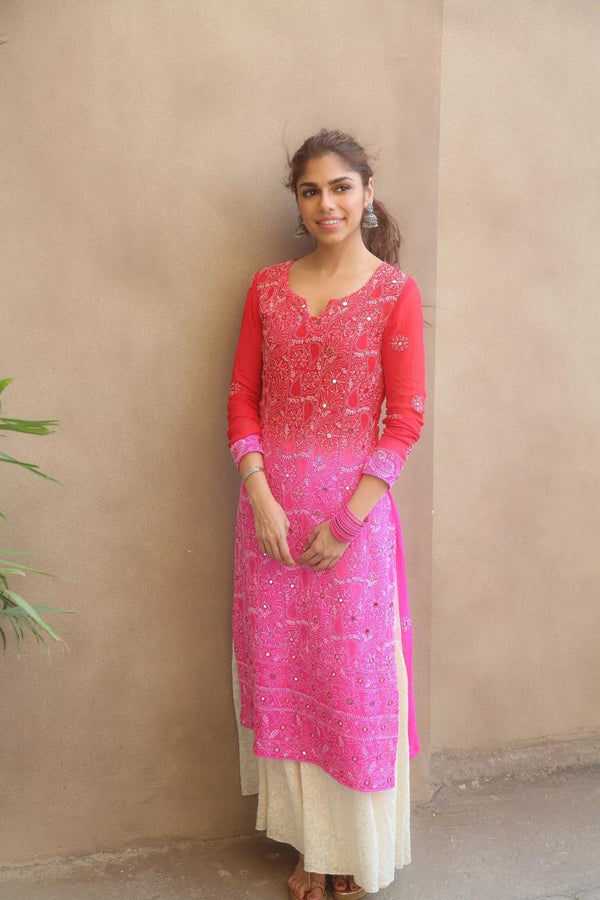 Sharmin Sehga looks beautiful in our kurta set