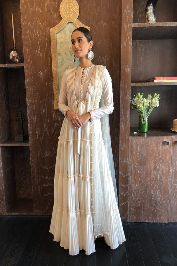 Manushi Chhillar keeps it elegant and understated in our ivory jacket anarkali