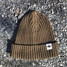 Load image into Gallery viewer, classic rooted merino beanie