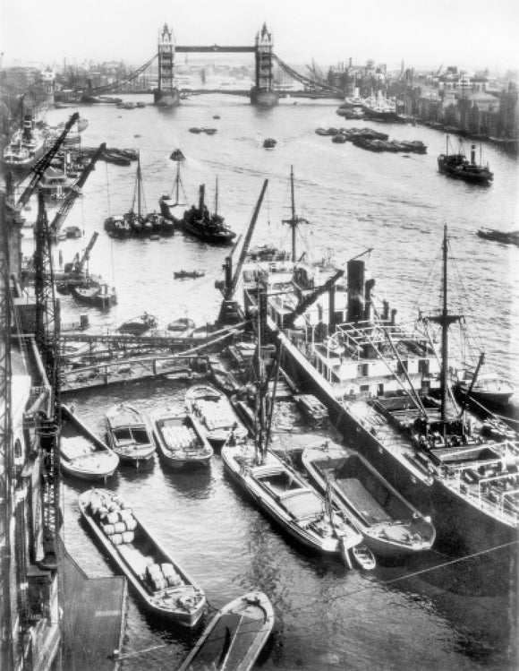 Upper Pool of the Thames c.1930