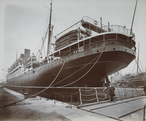 Cunard's SS Alaunia, Royal Albert Dock: 20th century