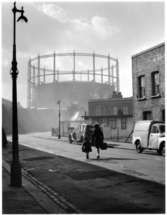 Gasworks at Nine Elms, Battersea, 1958