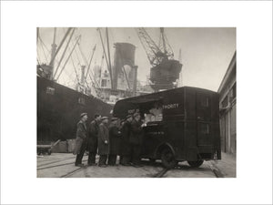 Mobile canteen for dockers: 1942