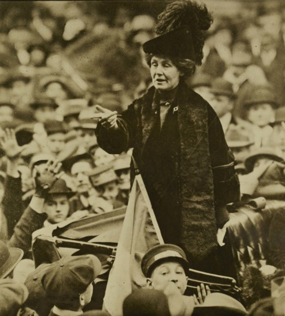 Emmeline Pankhurst addressing a crowd in New York: C. 1900