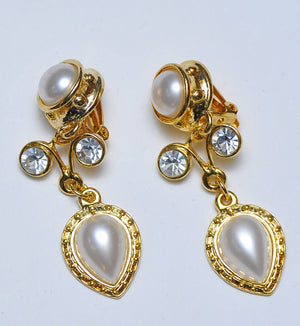 Two strass & pearl earrings