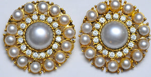 Rich pearl round earrings