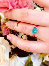 Load image into Gallery viewer, Blue Apatite Engagement Ring