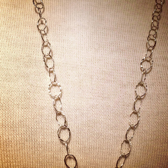 Clear lines texture long necklace