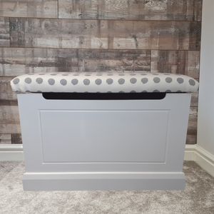 Routed front toy box (80x50x50cm)