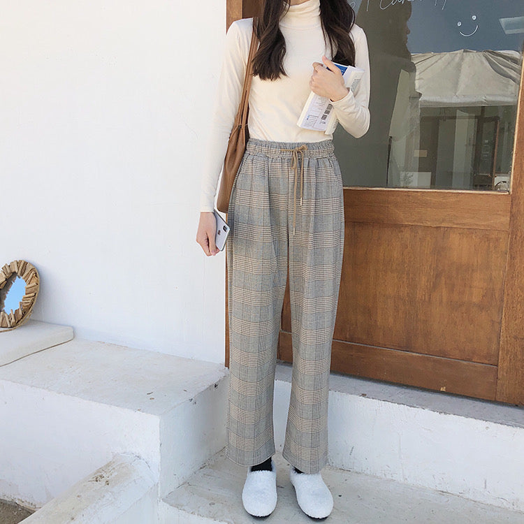 Savannah Checkered Straight Relax Pants