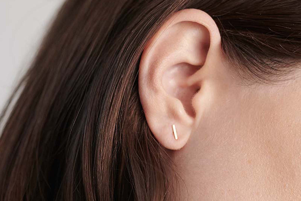 Short Staple Earring