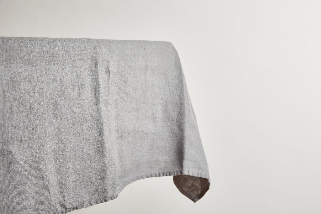 "La Linge Particulier Real Grey 63"" x 118"" Tablecloth"