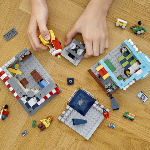 31105 LEGO Creator 3 in 1 Townhouse Toy Store