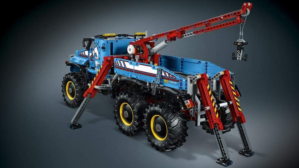 42070 LEGO Technic 6x6 All Terrain Tow Truck