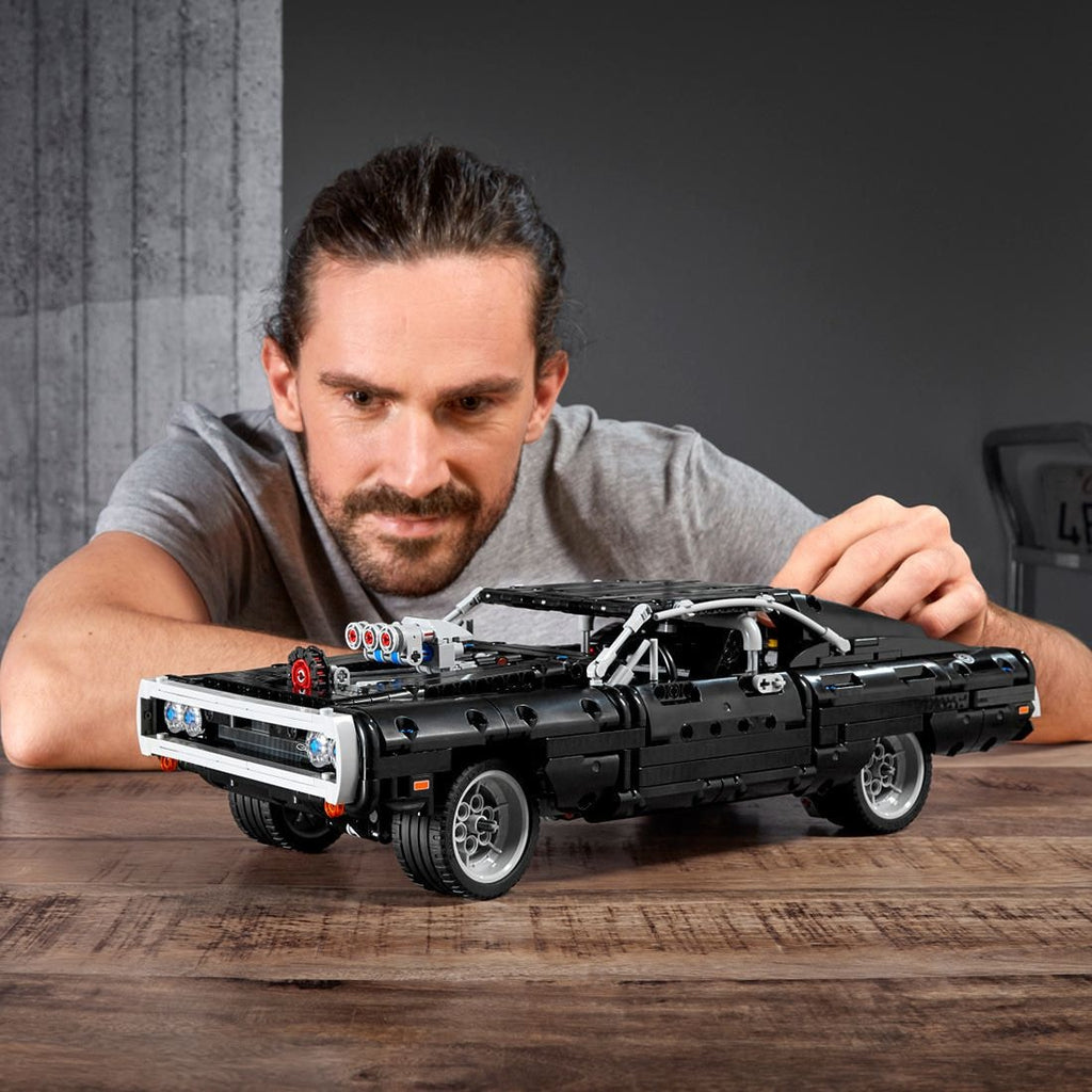 42111 LEGO Technic Dom's Dodge Charger