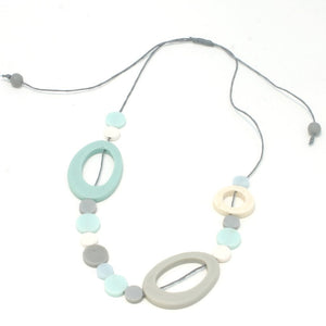 Short Resin Hoop & Disc Necklace