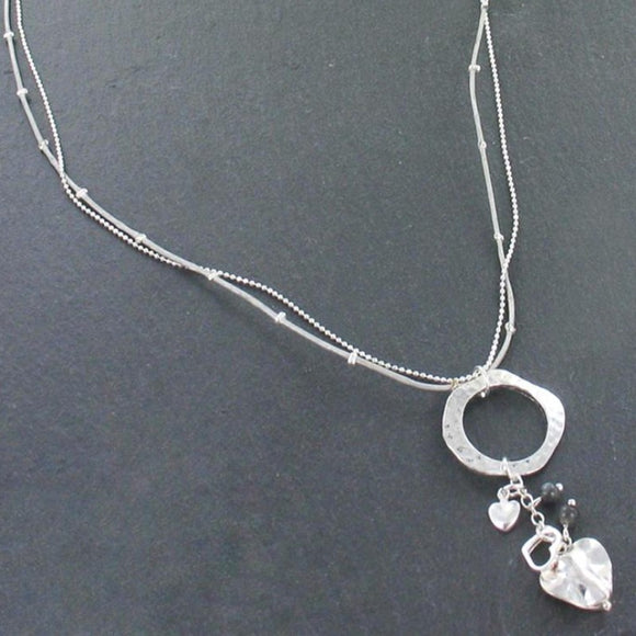 Beaten Ring Necklace With Heart Charms In Silver Plate - Flamingo Boutique
