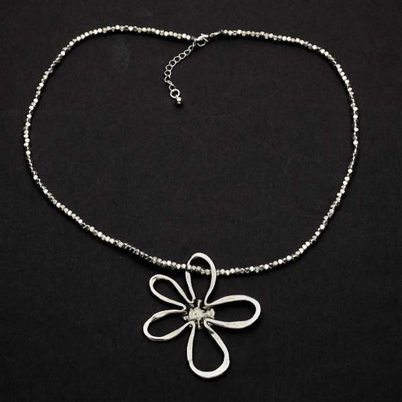 Open Flower Necklace In Silver Plate