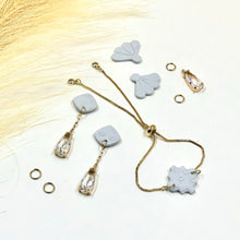 Load image into Gallery viewer, Misty Morning Rain Drop Earrings