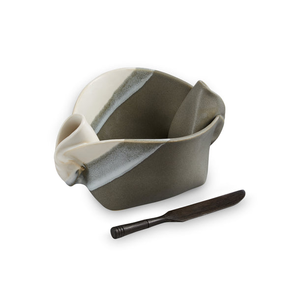 Pinch Pot with Knife Gray