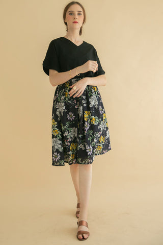 Haylee Ruched Skirt Black Floral