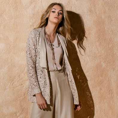LACE AND SILK JACKET / GIACCA IN PIZZO E SETA